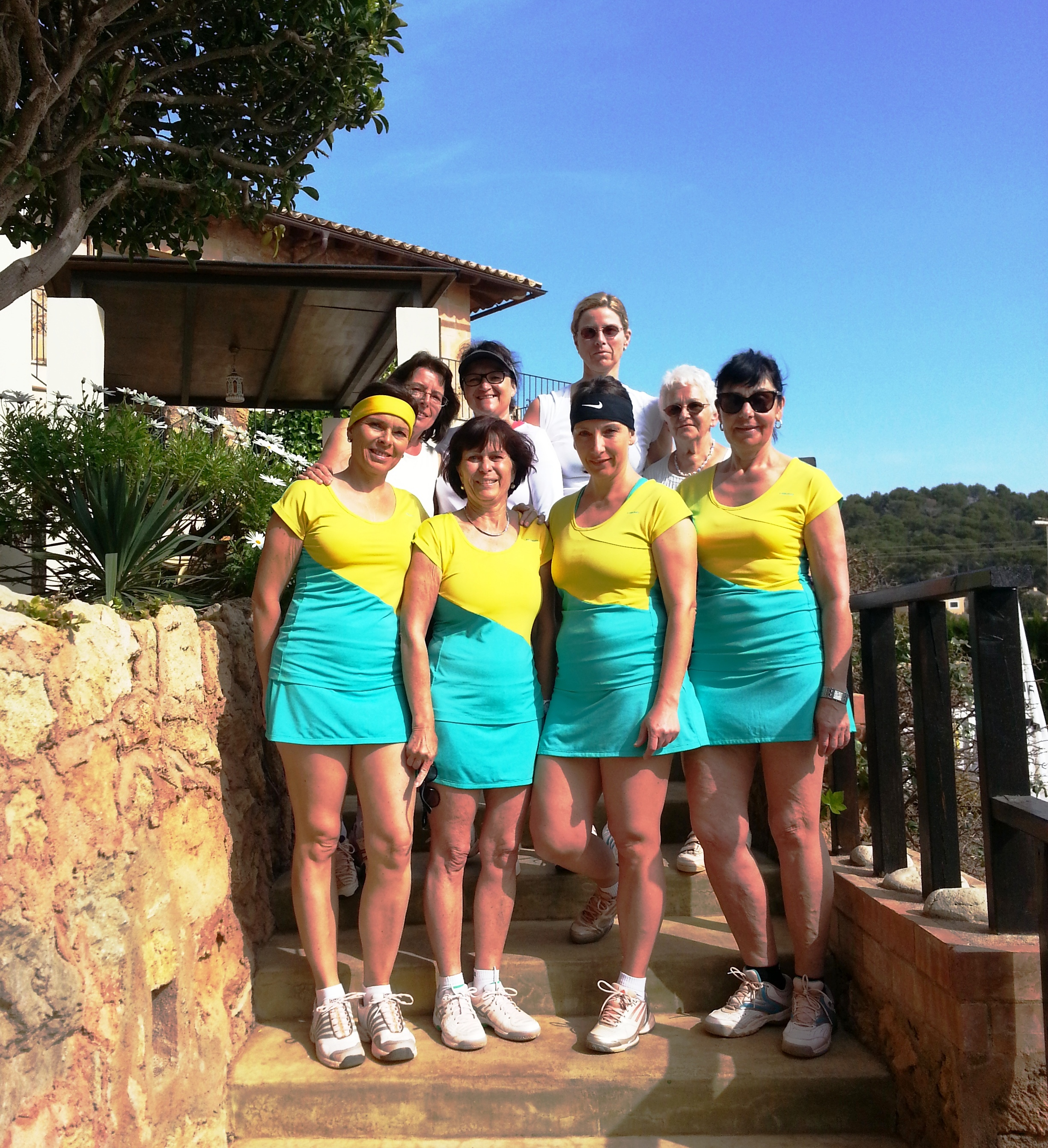 Damen 40: Hinten, von links: Ingrid Schinz, Diana Jakob, Simone Ebert, Inge Pompe.  Vorne von links: Sabine Diehl, Petra Zon, Cornelia Leibrich, Cornelia Pommerening (es fehlt: Birgitt Rüd)