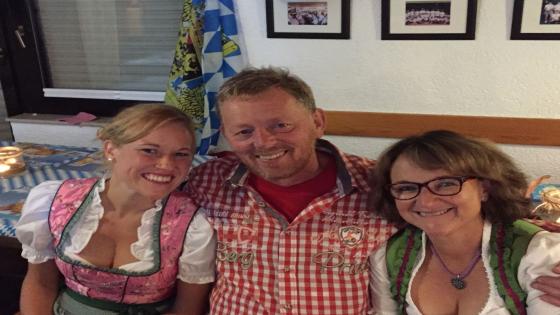 Klaus Jakob mit Frau und Tochter