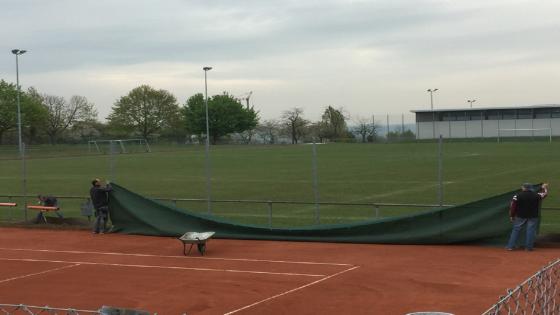 Anbringen der Tennisblenden
