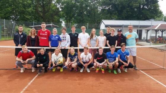 Sportklasse 11E mit Lehrer Alexander Rentsch und Trainer JP Leibrich