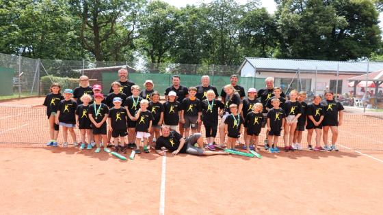 Kinder, Trainer- und Betreuerteam des TCW-Sommercamp 2017