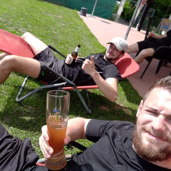 Stark an der Flasche, stark auf dem Platz: Lukas Gleisenberger, der sowohl im Einzel als auch im Doppel als Sieger vom Platz ging.